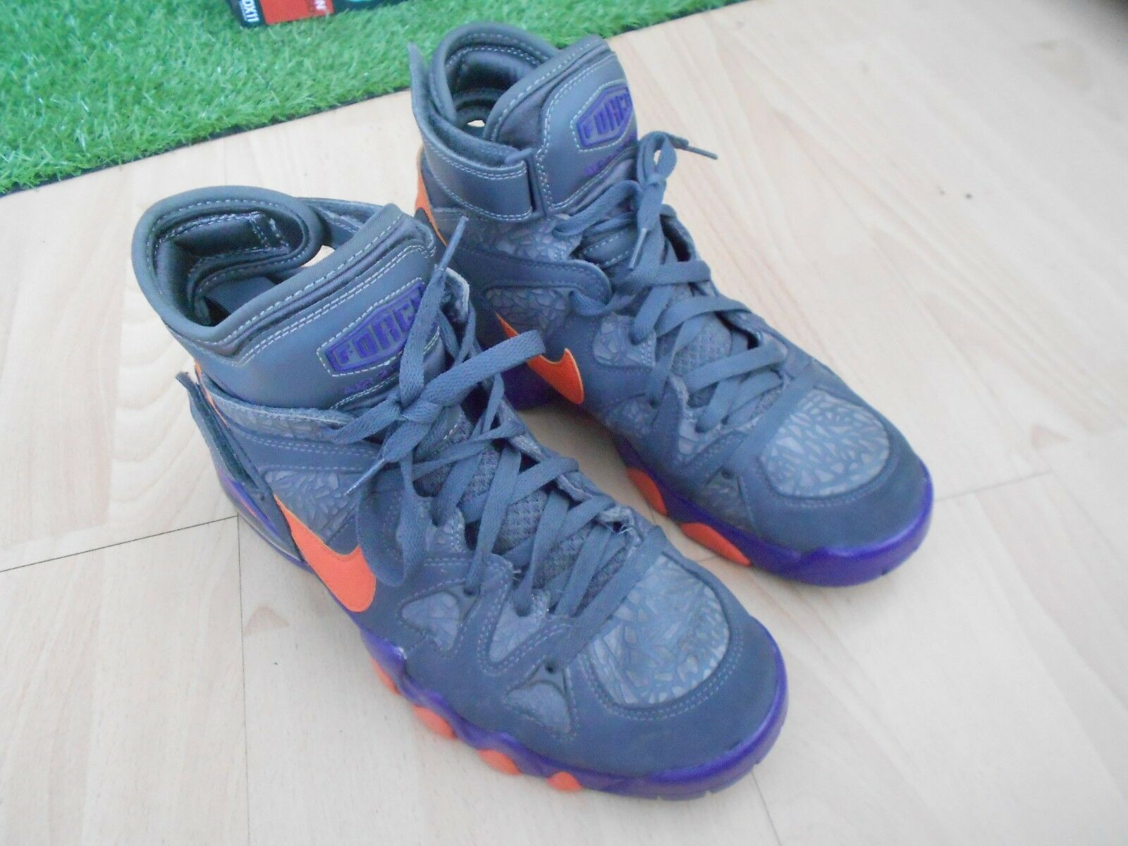 d297bd68f NIKE AIR MAX 2 STRONG - BASKETBALL TRAINERS UK SIZE 8.5 - IN GOOD CONDITION  STIL