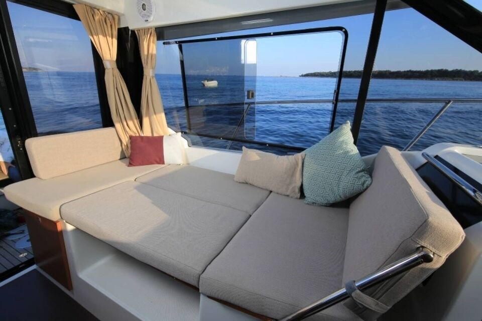 Jeanneau Merry Fisher 895 Cruiser Offshore, Motorbåd,