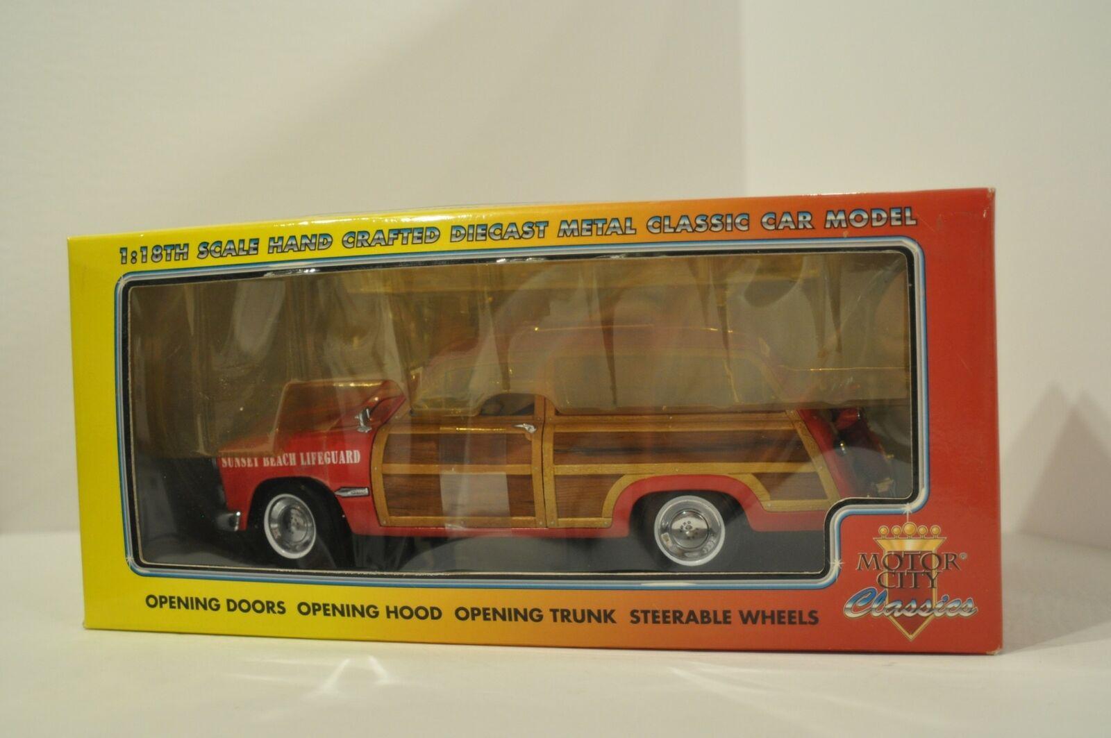 1949 Sunset Beach Lifeguard Woody Wagon Red 1 18 Diecast Motor City Classics
