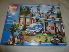 NEW IN BOX SEALED LEGO SET CITY FOREST POLICE STATION 4440 NIB 633 PCS NISB >>