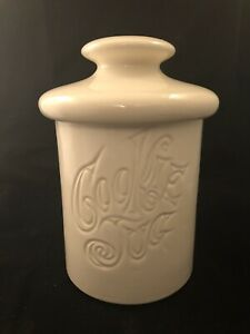 Vintage-White-McCoy-Cookie-Jug-Jar