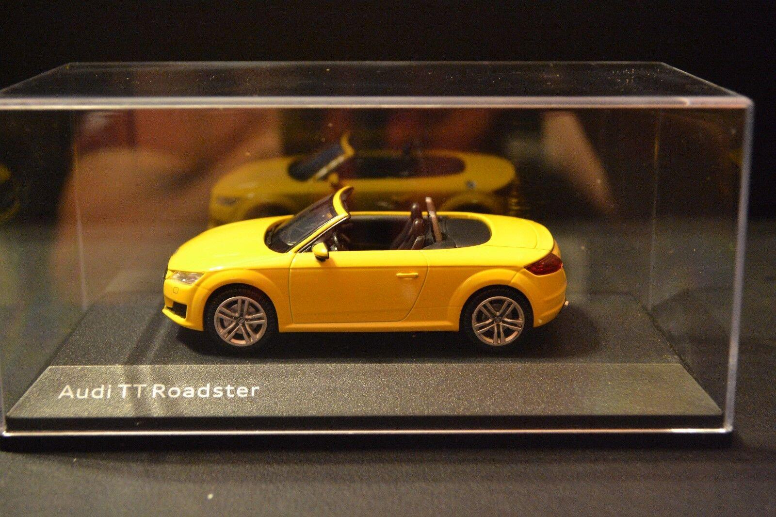 Audi TT Roadster Type 8S 2014 Kyosho Dealer Edition diecast in 1 43 scale 263