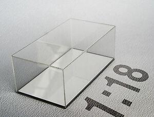 Teca-in-plexiglass-Scala-1-18-fondo-specchio