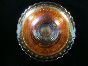039-Leaf-in-Base-039-Imperial-039-Grape-039-Marigold-Carnival-Glass-Scalloped-Edge-Bowl