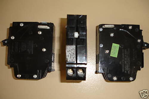 Crouse Hinds Murray MH 2 pole Plug in Circuit Breaker