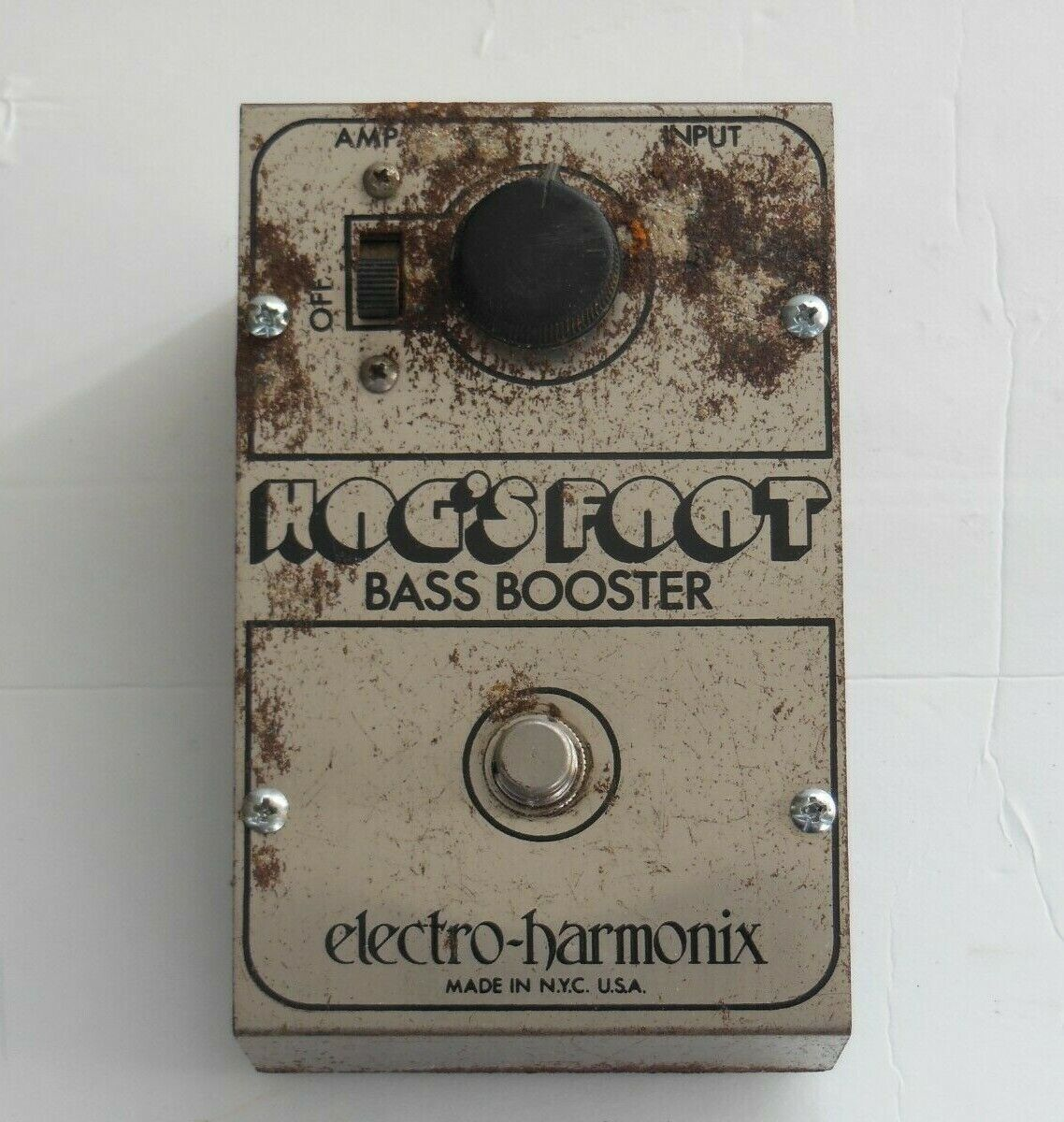 Vintage foot bass