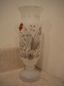 VINTAGE-BRISTOL-ART-GLASS-VASE-CLAMBROTH-FROSTED-HP-BUTTERFLY-ROUGH-PONTIL-MARK