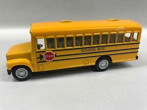 Short School Bus - Die Cast Metal  Kintoy  Delivery
