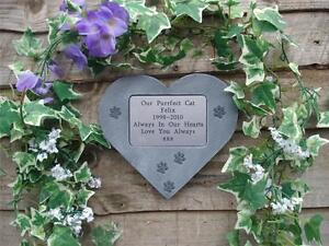 Personalised-Cat-Memorial-Stone-Heart-with-little-Pawprints-for-Garden-Tree