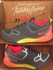 NIKE Zoom Talaria 2014 Mens Sneakers Trainers varie dimensioniNUOVO