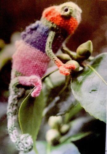 DK Knitting Pattern jouet doux animal Caméléon