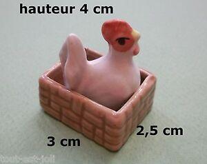 poule dans panier, miniature en porcelaine, collection, vitrine,kip,chicken  *T4