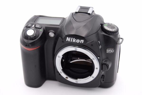 Distingué Nikon D50 6.1 Caméra Slr Numérique Mp - Noir (corps Seulement) - No Accessoires