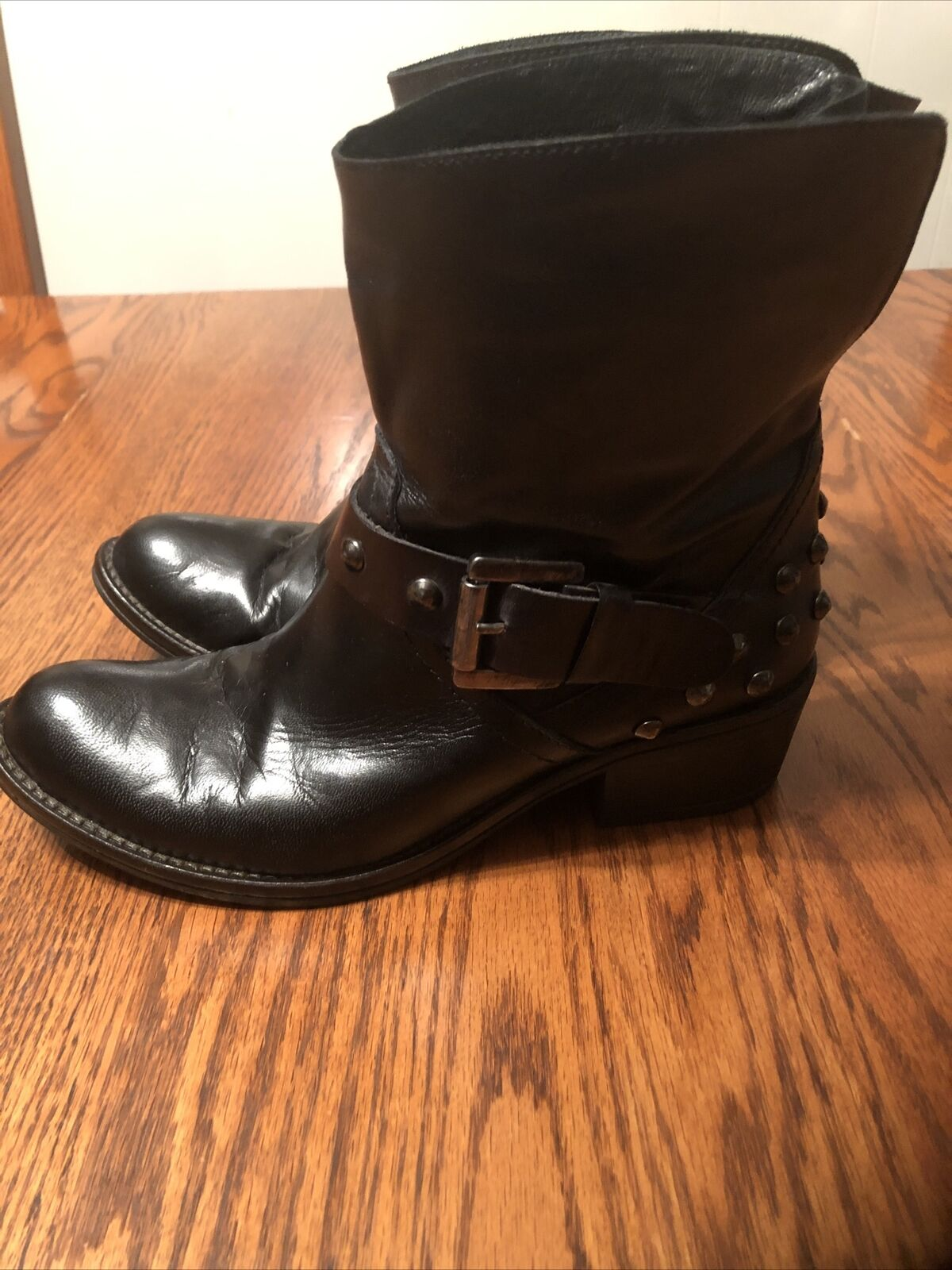 Peluso Italian leather ankle boots, stud accents womens 6.5