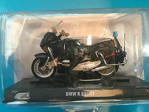 DIE-CAST-034-BMW-R-850RT-034-1-43-CARABINIERI
