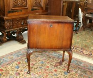 English-Antique-Mahogany-Queen-Anne-Small-Bar-Cabinet