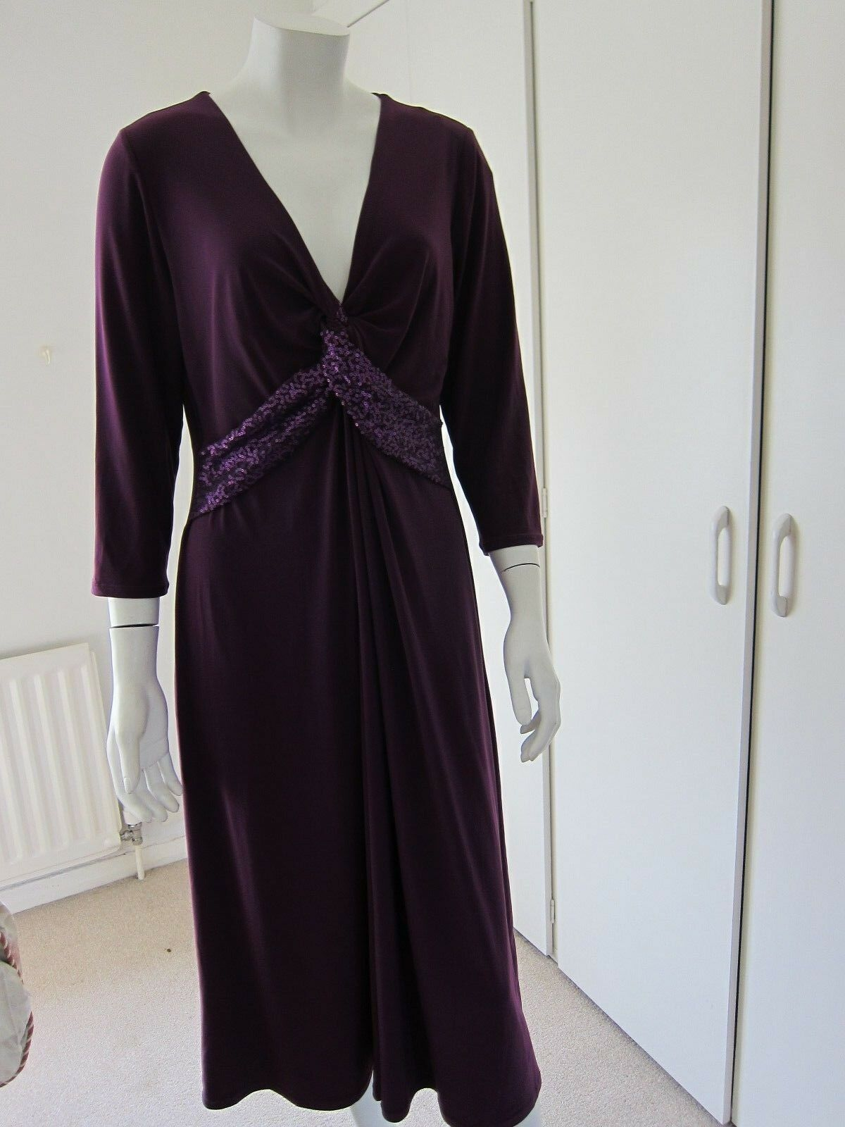 Windsmoor burgundy formal party midi length dress with sequins Größe 16 RRP