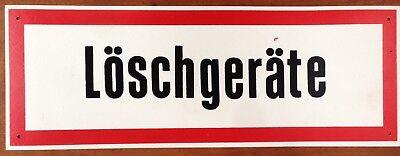 """DDR Kunststoff Schild /""""Löschgeräte/""""Dewag"""