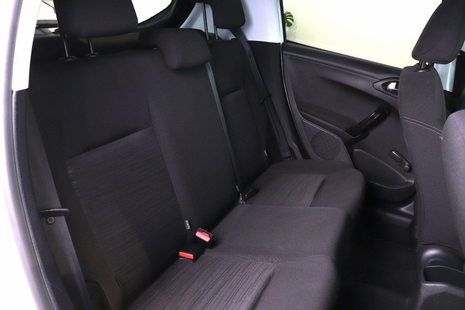 Peugeot 208 VTi Access