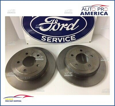 Grand Marquis /& Town Car NEW Rear Disc Brake Pads For 96/'-02/' Crown Vic