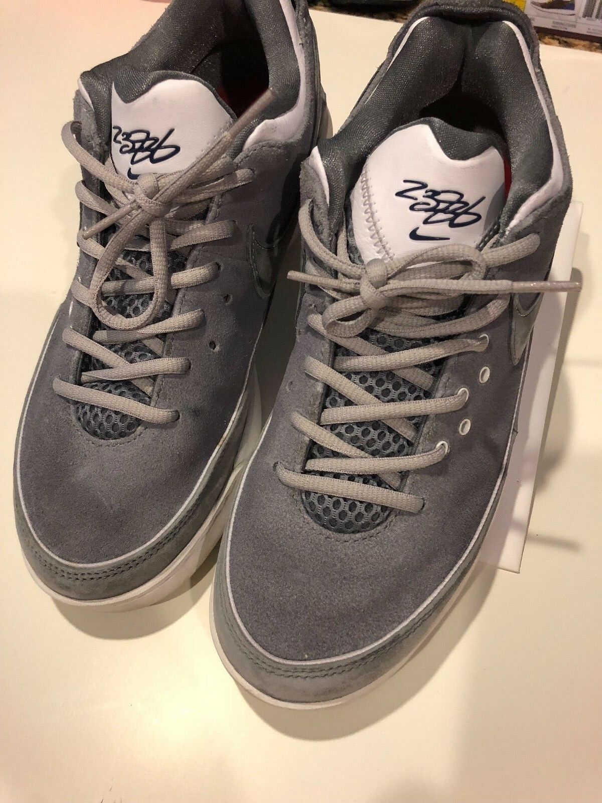 LeBron James Nike 7 low Gray Suede Shoes, Size 8.5