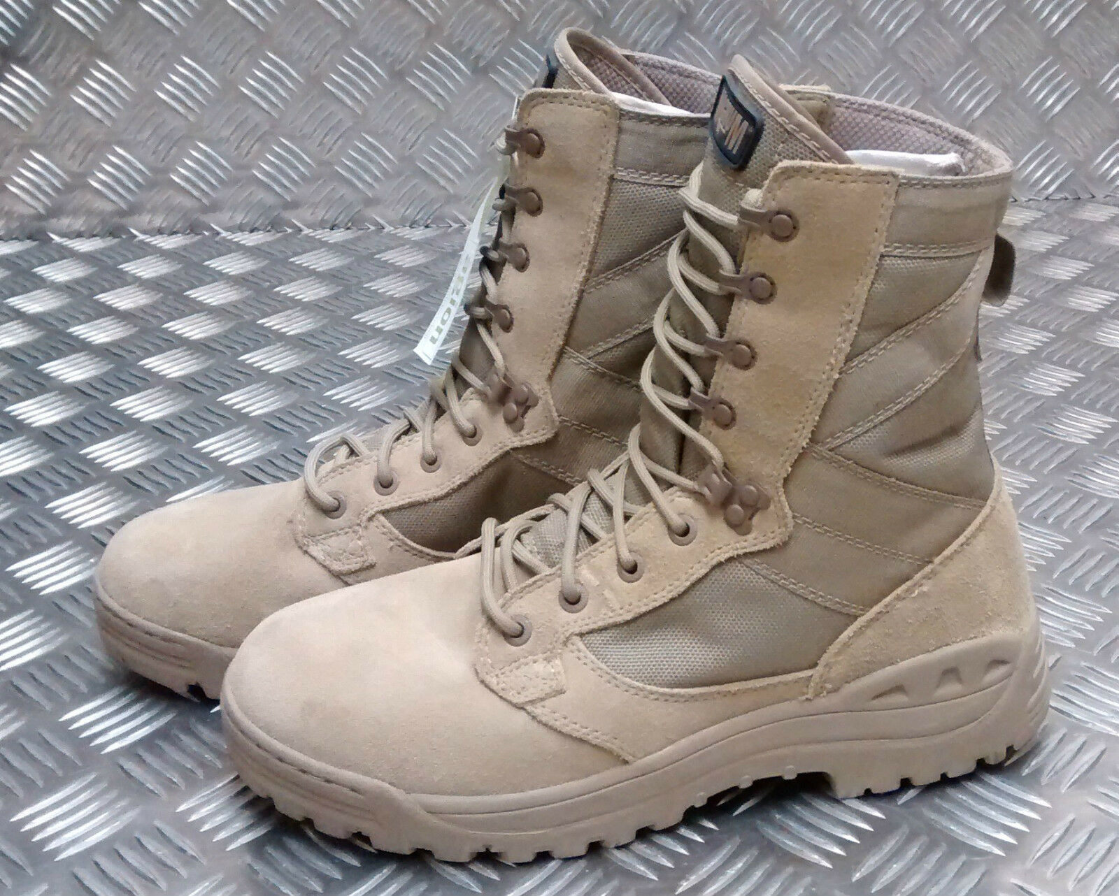 Genuine British British British Army Issue Magnum Desert Assault   Combat Stiefel Amazon 5 3f1fe0