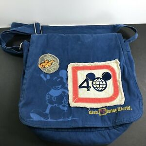 Walt-Disney-World-Magic-Kingdom-40th-Anniversary-Mickey-Mouse-Messenger-Bag