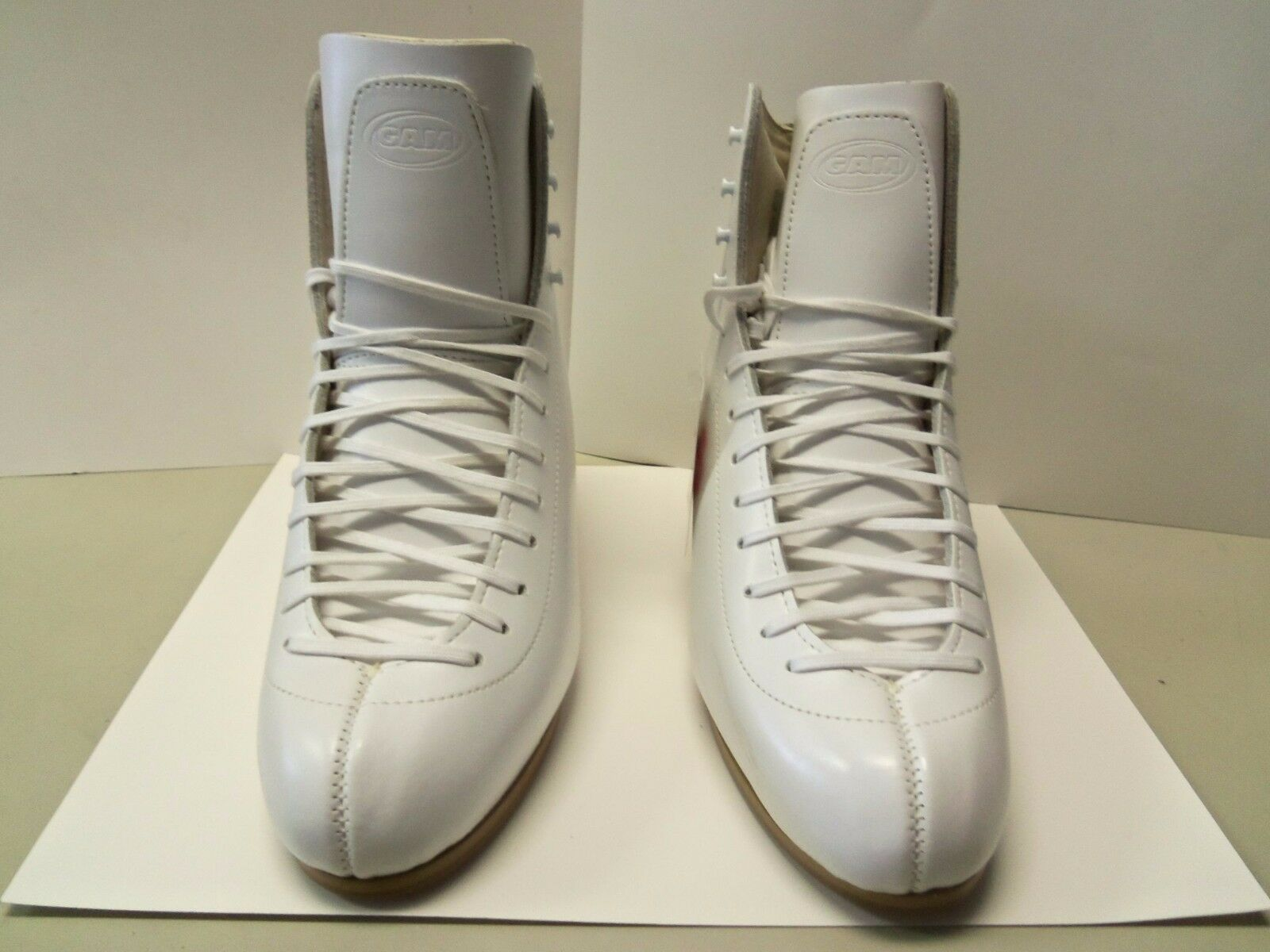 Gam Spectra 070 White  Women's Figure Skating Boot 9C  low prices