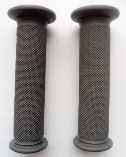 Suzuki GSXR750 Renthal Road Race Grips - Full Diamond Medium Compound (G148)
