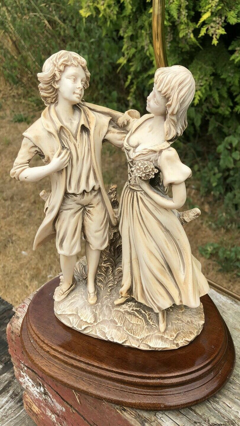 Beautiful Decorative Vintage Young Couple Dancing Figurine Table Lamp Light