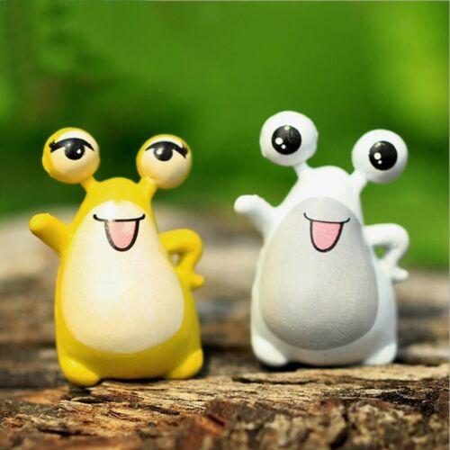 2Pcs Miniature Cartoon Frog Terrarium Figurines Fairy Garden Ornament Decoration