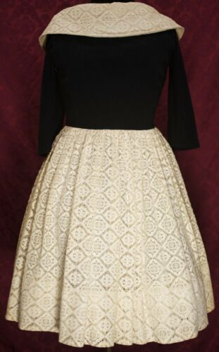 Vintage Minx Modes Black and Beige Lace Skirt and