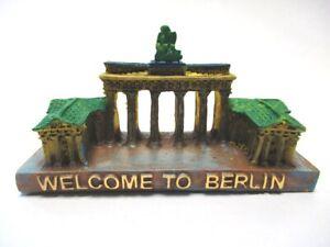 Stable Berlin Porte De Brandebourg Modèle Avec Culture Welcome Souvenir Germany-afficher Le Titre D'origine Ni Trop Dur Ni Trop Mou