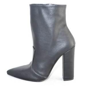 Scarpe-donna-tronchetto-punta-art-20987-tronchetto-nero-pelle-made-in-italy-glam