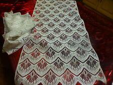 blancs,neufs ,paire de rideaux 92x44cm,prets a étre placés ,sans repassage