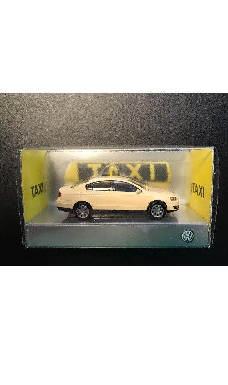 Seltene vw passat b6 3c 2.0 tdi - deutsche taxi - saloon nach wiking (dealer - modell)