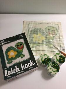 Vtg 1978 Turtle Cartoon Betty's Latch Hook Kit Beginners Cute 70s Flower w/ Hook