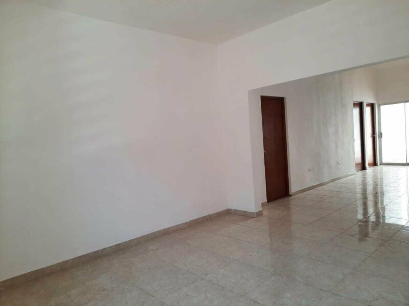 Se vende casa grande recién remodelada Indeco