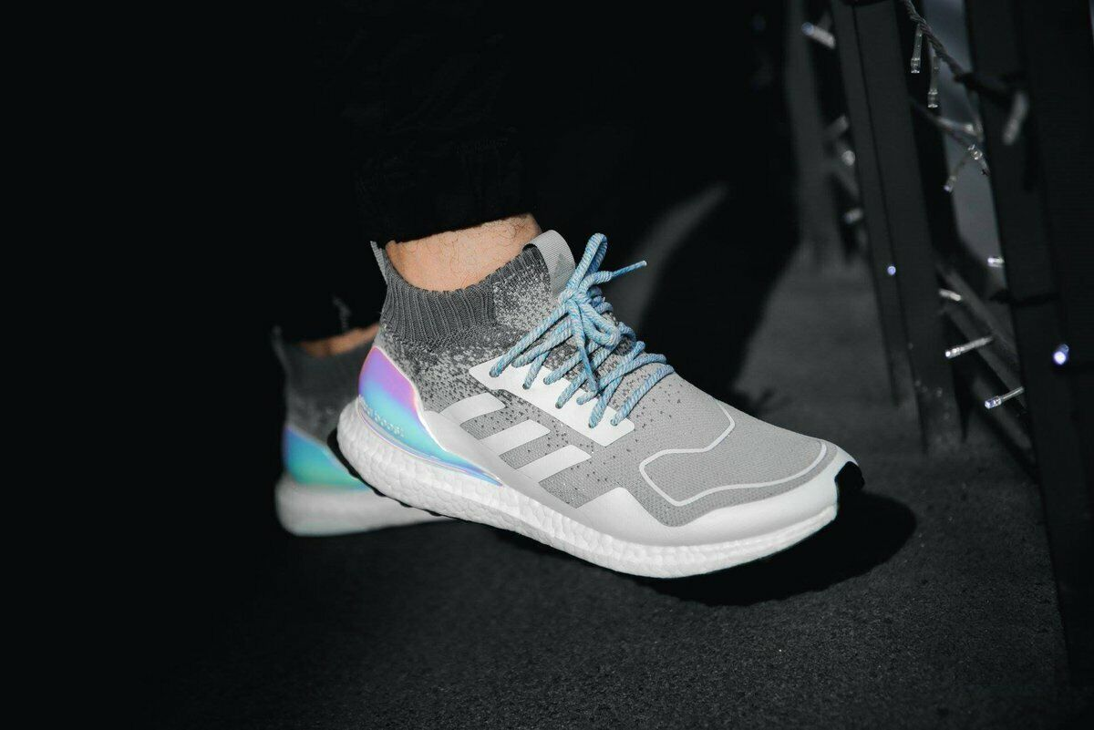 Adidas Ultra BOOST Mid IRIDESCENT