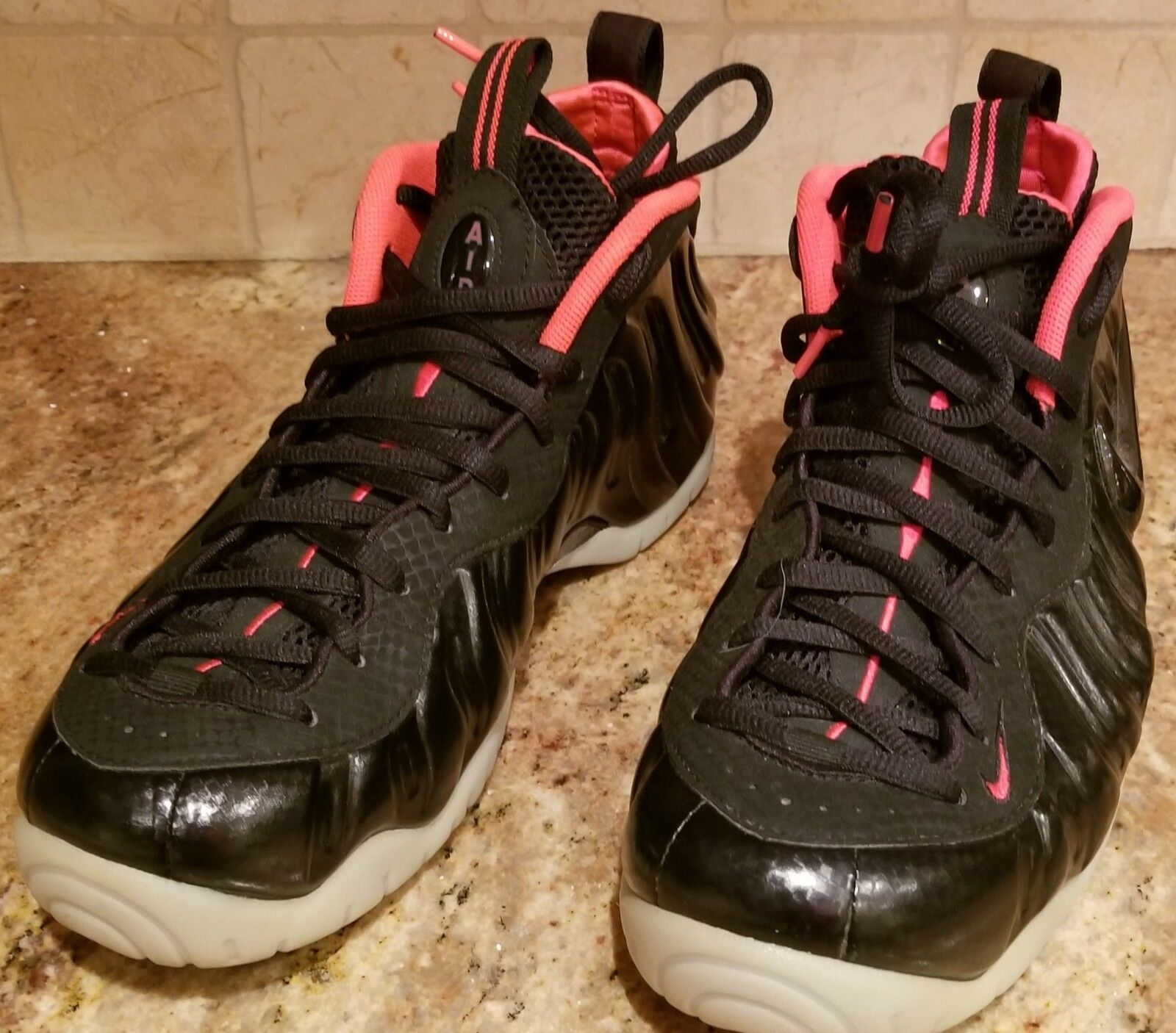 ec491a688876 Nike Air Air Air Foamposite Pro PRM Yeezy Black Black Laser Crimson 616750  001 Sneakers d97246