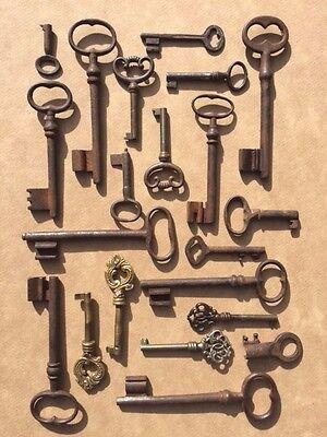 Authentic Antique French Keys 21 Piece Lot