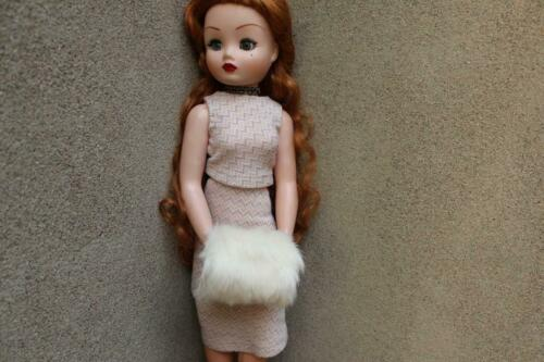 ~White Rabbit Fur Muff for Madame Alexander Cissy and Tall BJD dolls~by dimitha~