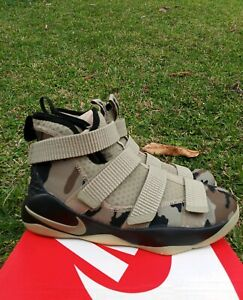 8e320cb84956 6.5 YOUTH Nike Lebron Soldier XI 11 Camo Big Kids 918369-200 ...