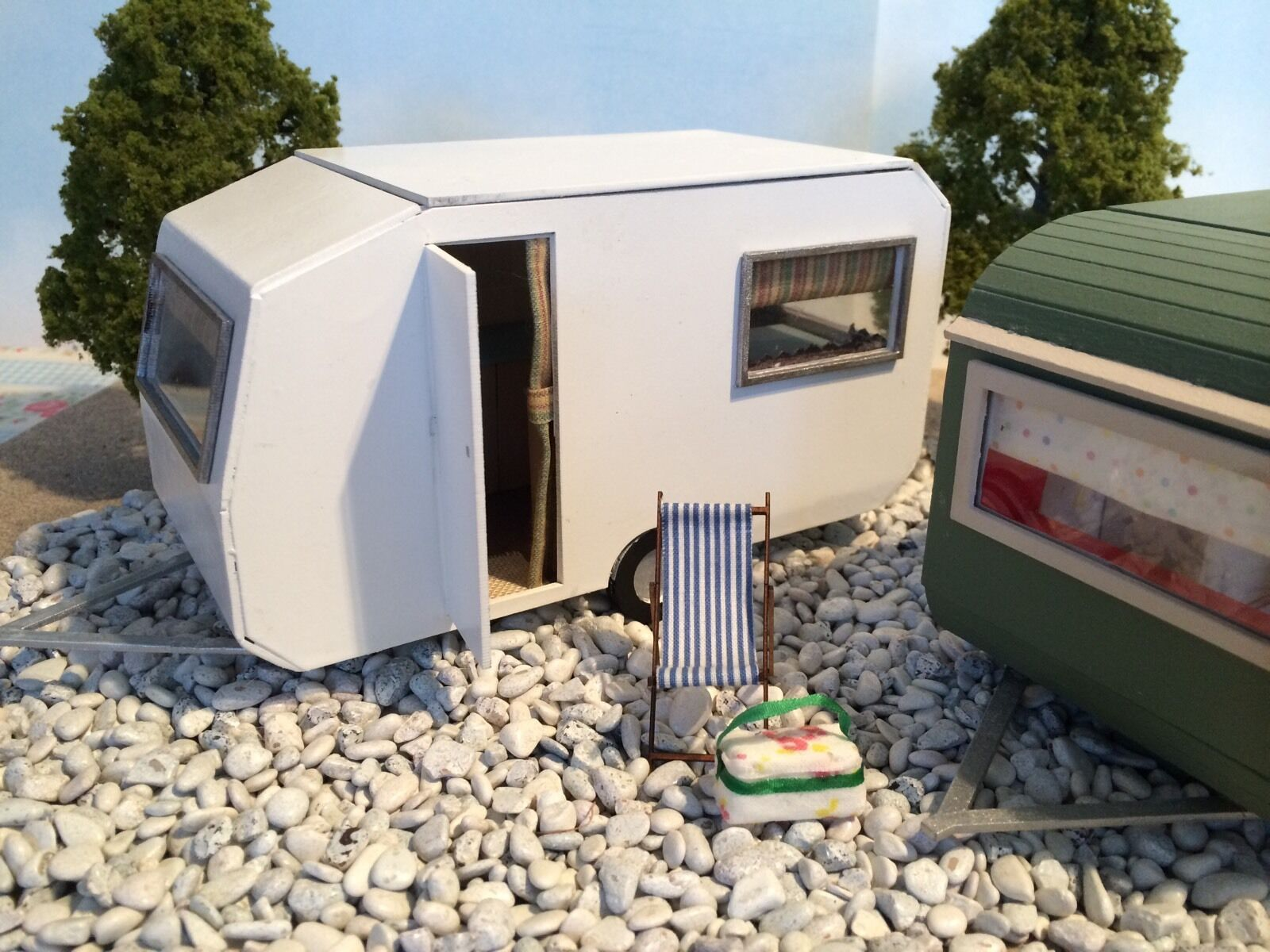 Dolls house Retro Caravan Caravan Caravan 1  Scale 1 12th Kit. Special Offer. a5386a