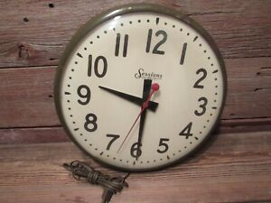 Vintage-Electric-SESSIONS-Wall-Clock-Glass-Front-With-Metal-Base