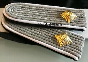 Schulterklappen-Obersturmf-Infanterie-auf-schwarz-shoulder-boards-1st-Lieutenant