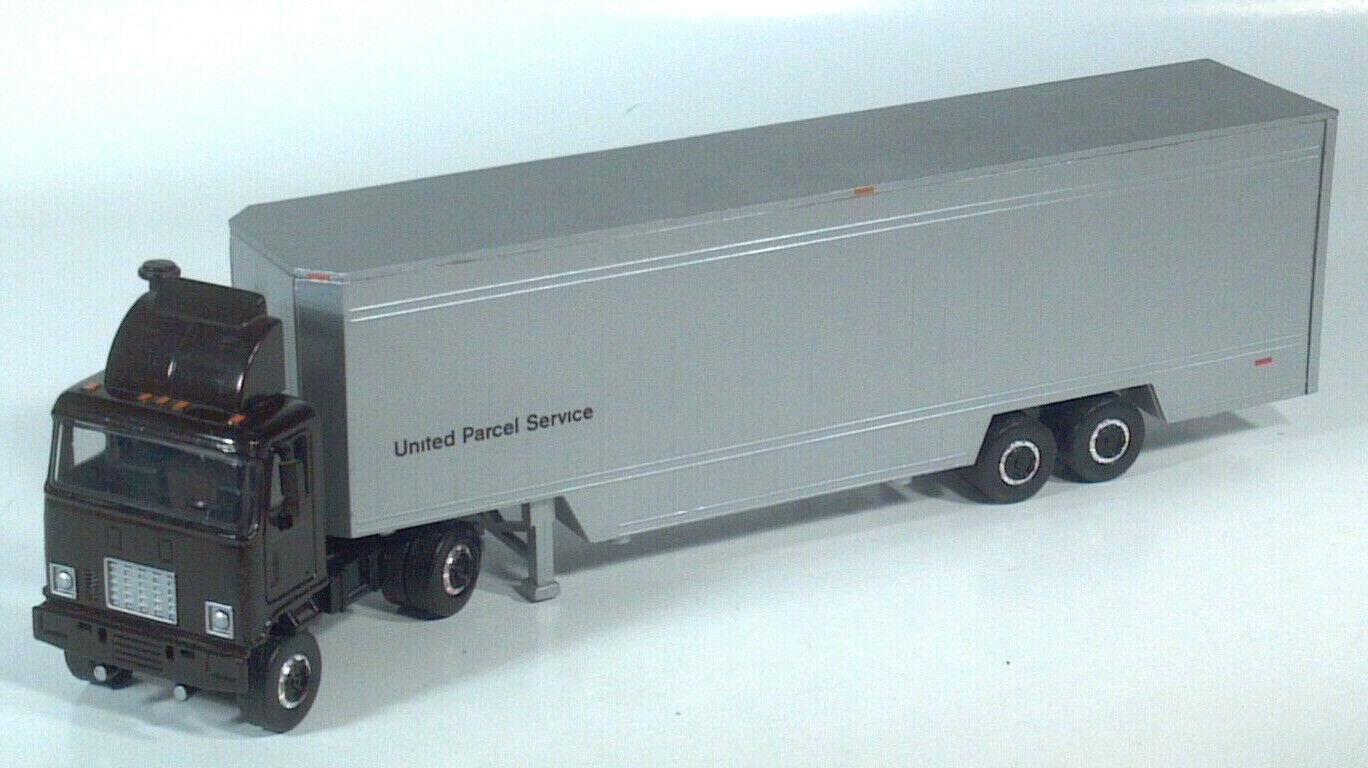 United Parcel Service 40' Drop Frame Feeder Semi UPS 13.75
