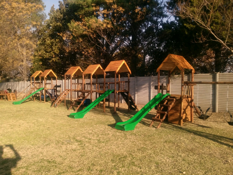 Wooden Jungle Gyms ( Woodfun est 2001 )