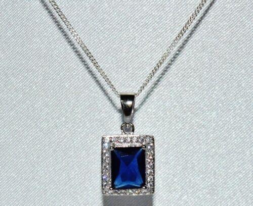 2.50 CT Corte de La Esmeralda Azul Zafiro Colgante Cadena Cluster 925 Plata Esterlina