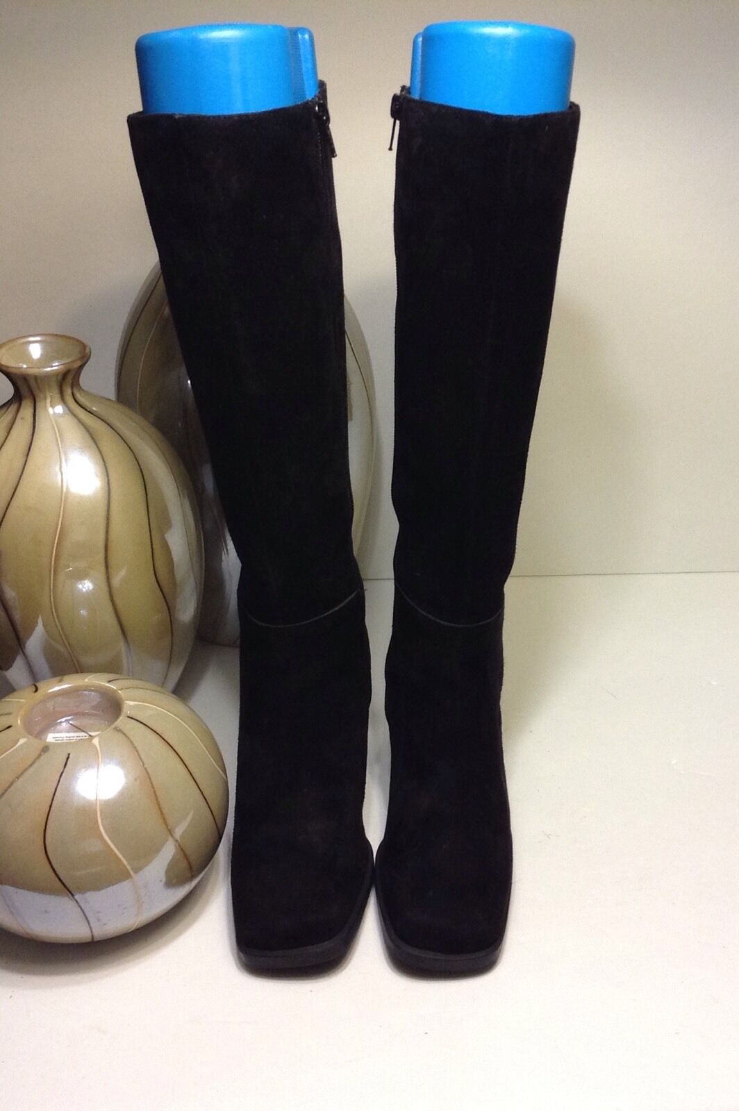 dazzling AMANDA SMITH velvety soft black suede leather side zip fashion boots 6M